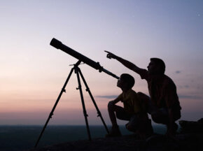 Space Exploration Image Gallery Telescopes come in all shapes and sizes, from a little plastic tube you buy at a toy store for $2, to the Hubble Space Telescope, which weighs several tons. See more space exploration pictures.