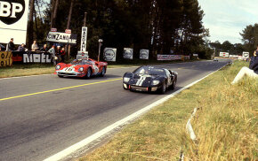 The Ford GT40 edged out the Ferrari Spyder at the 1966 Le Mans.