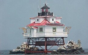 """Thomas Point Shoals is the only """"screwpile"""" lighthouse still remaining in Chesapeake Bay. Curious passers-by love to See more lighthouse images."""