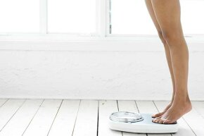 Surprisingly, experimental trials showed that people who lost weight rapidly weighed less at the end of longer-term follow-ups versus people who lost weight gradually.
