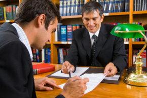 """了解止赎进程(并拥有一个值得信赖的律师)可以帮助您避免攻击欺诈。""""border="""