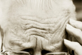 Getting Beautiful Skin Image Gallery                          Steven Puetzer/Photodisc/Getty Images                  What's the link between stress and wrinkles? See more getting beautiful skin pictures.