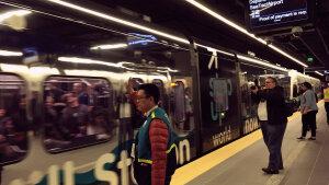 """最佳公共交通如何有利于城市和居民""""。"""" border="""