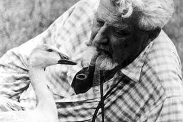 Austrian scientist Konrad Lorenz devoted much of his life to understanding how birds imprint on their mothers -- and being followed by his own group of goslings.