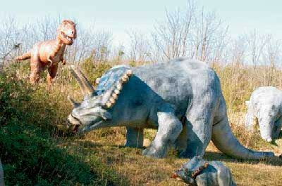 The Dinosaur Roadside Statue Garden in Cave City, Kentucky, was designed to mark the territory where dinosaur skeletons were discovered.