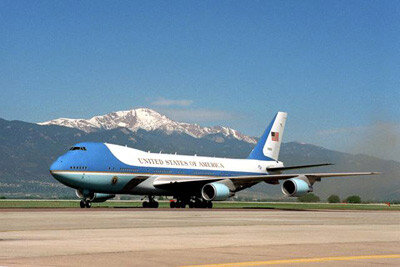 """One of the two modified 747s that commonly flies as """"Air Force One"""""""