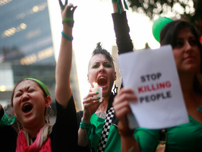 In New York City, Amnesty International holds a vigil for Iran protestors.