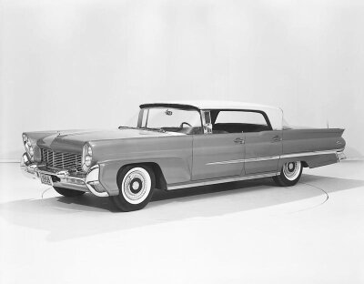 The 1958 Lincoln Capri Landau was longer and wider, during a time when even luxury buyers were interested in smaller cars.