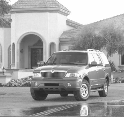 The 1998 Lincoln Navigator was Lincoln's first -- and most successful -- foray into the SUV market.