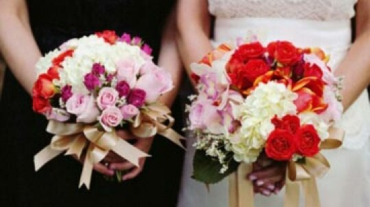 10 Fresh Color Combinations for Summer Wedding Decor
