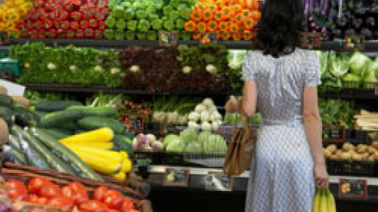 10 Things Your Grocer Doesn't Want You to Know