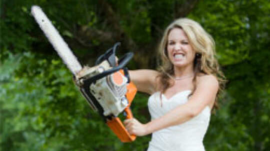 10 Signs You're Turning into Bridezilla