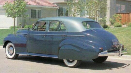 1940 Oldsmobile Series 90 Custom Cruiser Sedan