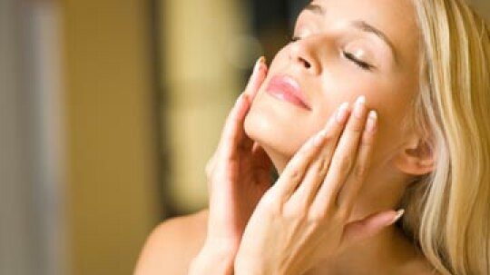 Quick Tips: 5 Tips to Get Rid of Crow's Feet