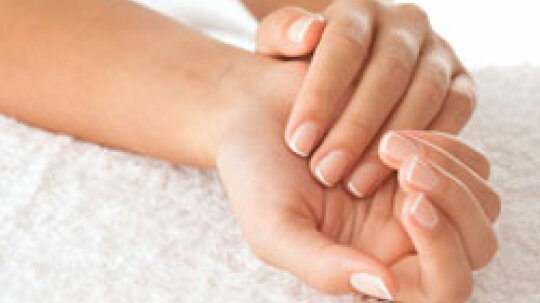 5 Home Treatments to Keep Nails Healthy