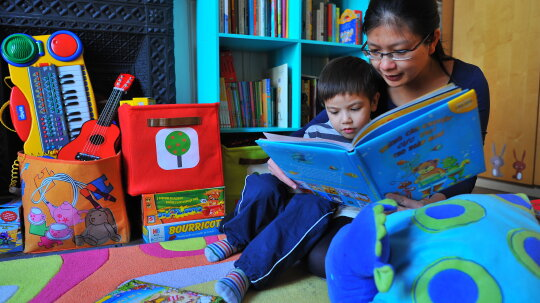 5 Traditions for Teaching Kids to Read