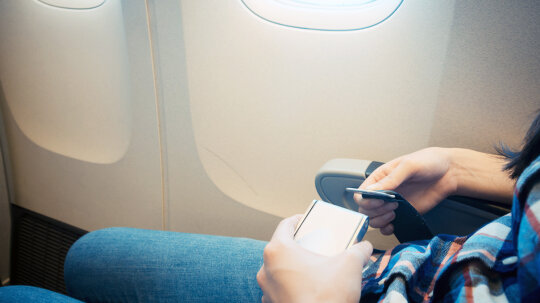 If Cars Have Shoulder Seat Belts, Why Not Airplanes?