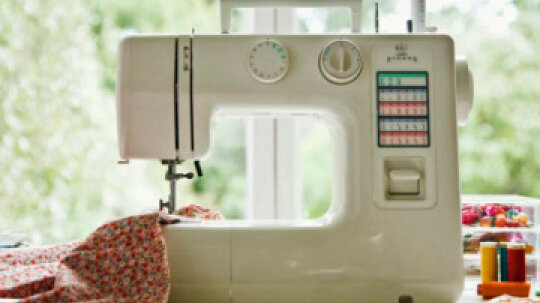 How to Turn a Bedroom Into a Sewing Room