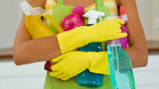 10 Essentials for Your Cleaning Kit