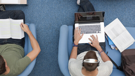 Can you get college credit for MOOC classes?