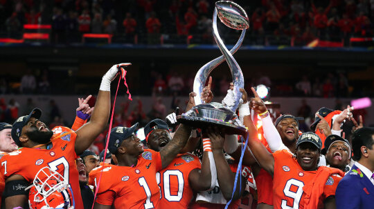 How College Football Crowns Its Champ