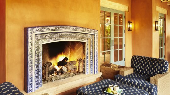 5 Tips to Install a Fireplace on Your Deck