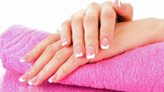 10 Steps to Do Your Own Manicure