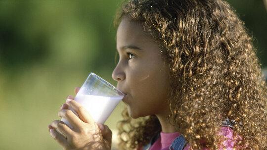 Drinking Noncow's Milk May Stunt Children's Growth