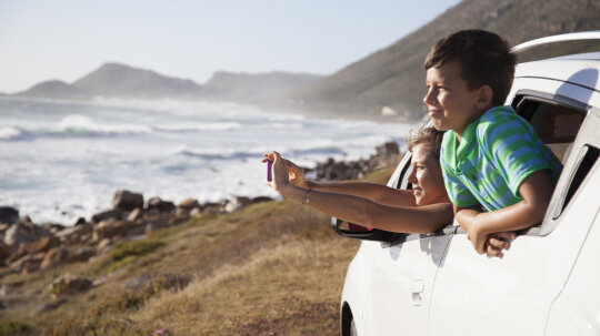 10 Essentials to Bring on a Road Trip