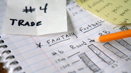 10 Tips for Hosting a Fantasy Football Draft