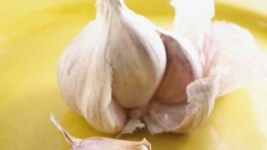 How to Plant and Store Garlic