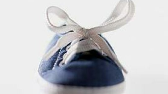 How to Repair a Shoelace Aglet