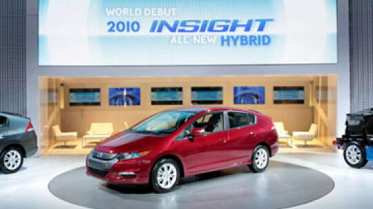 Do hybrid cars get power through kinetics?