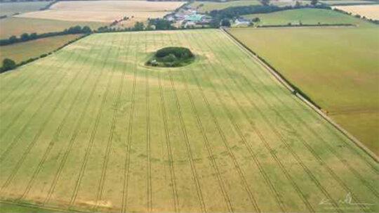 Drought Reveals Ancient Henge in Ireland