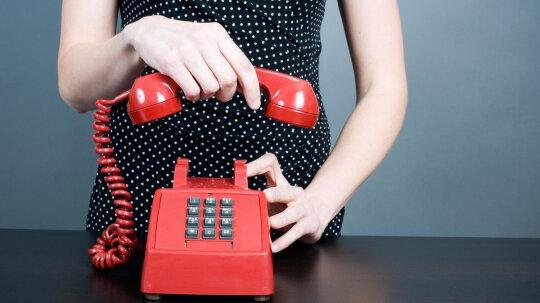 Should you hang up your landline during a thunderstorm?