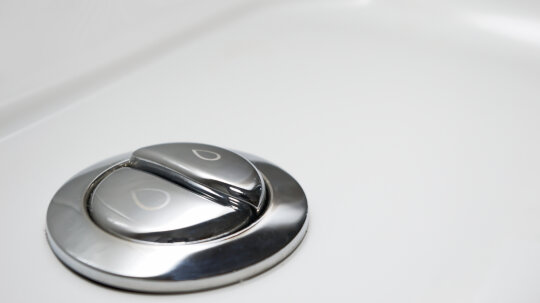 What's the deal with low-flow and dual-flush toilets?