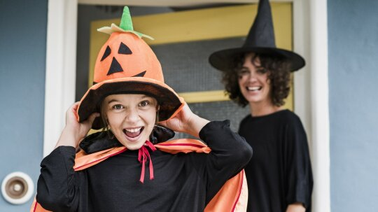 10 Mommy-and-me Halloween Costumes