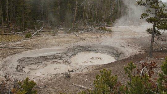 Massive Underground Mud Geyser Is California's 'Slow One'