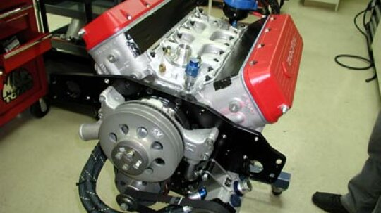 How NASCAR Engines Work
