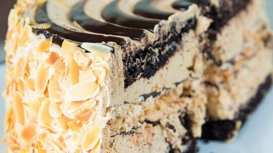 That Slice of Cake Pictured on the Box? It's 762 Calories, Not 247