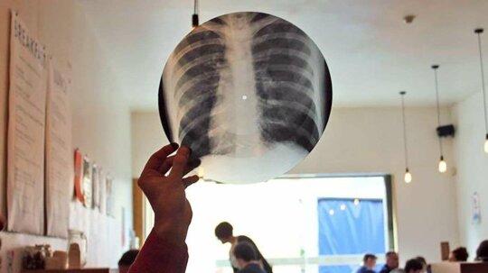 Ridiculous History: Soviet Hipsters Bootlegged 'Bone Music' on Human X-rays