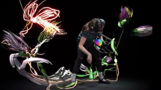Google's New Tilt Brush App Makes 3-D Painting a (Virtual) Reality