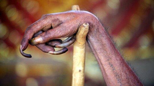 How Long Can Human Fingernails Grow?