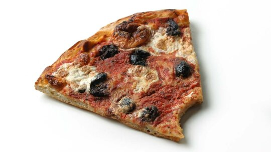 ​Room-temp Pizza: A Gamble or Good-to-go?