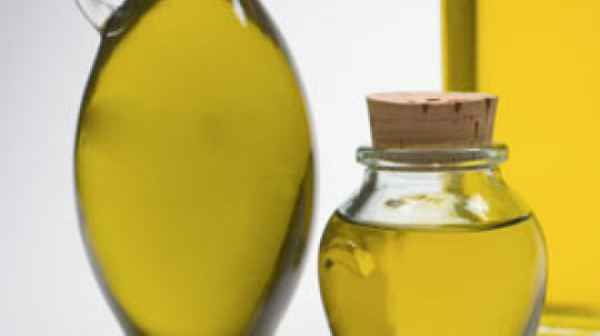 5 Ways Olive Oil Helps Your Skin