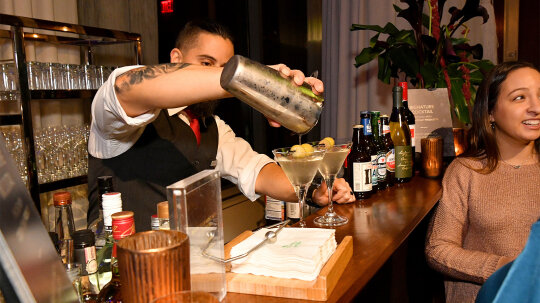 People Drink 47% More With an Open Bar, Study Says