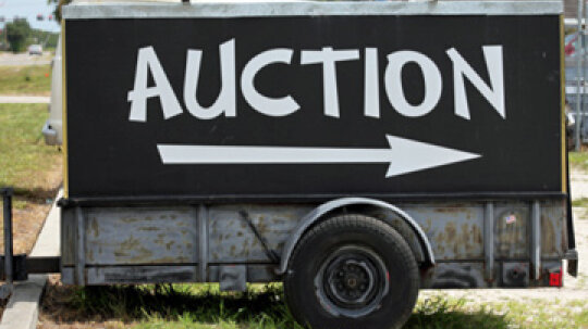 How to Organize a Chinese Auction