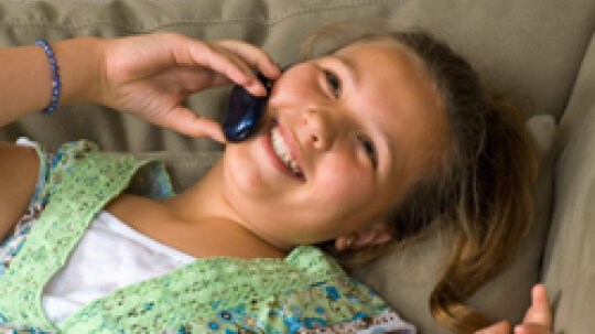 What are some cell phone safety tips for kids?