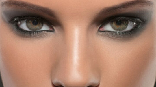 Choosing Dramatic Eye Makeup that Pops