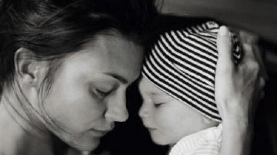 How does postpartum depression affect infants?